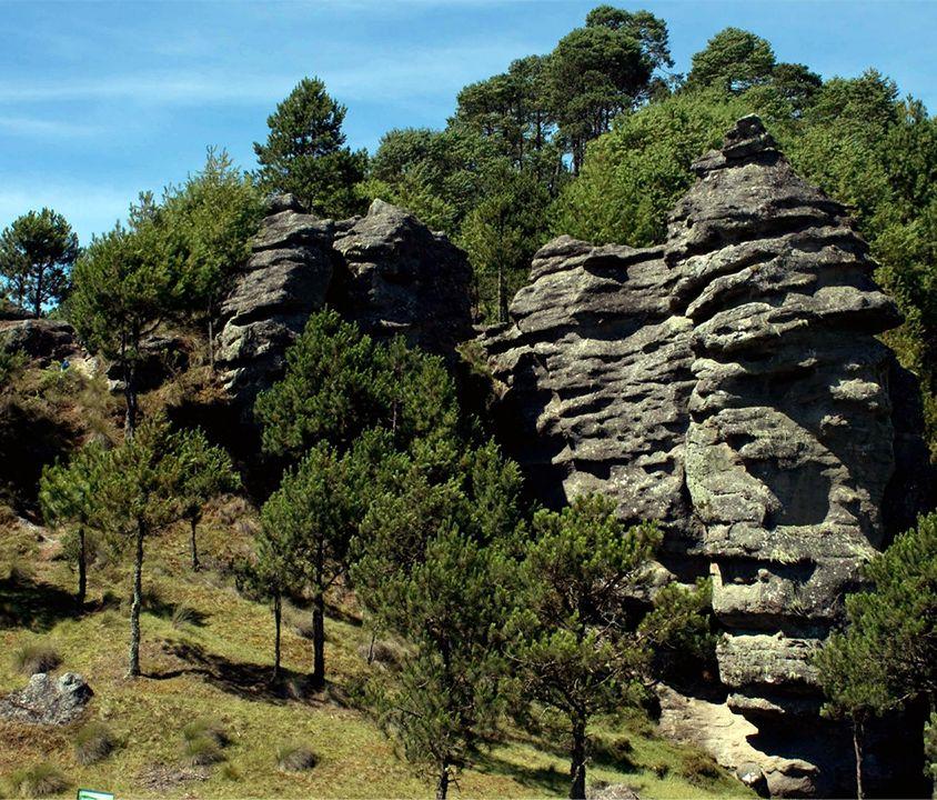 """Zacatlan and the """"Piedras Encimadas"""" Valley"""